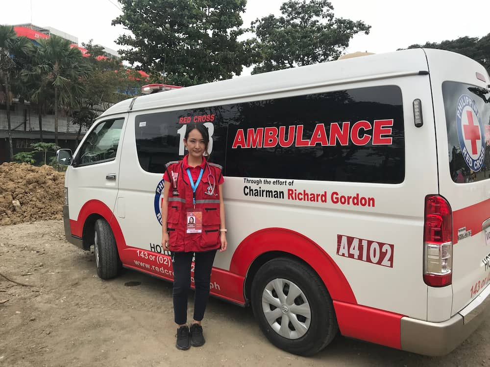 日本人看護師と海外の救急車